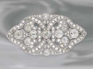 Brooch/pin: antique, very high quality Art Deco platinum brooch with rich diamond setting, approx. 7ct