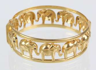 Bangle with elephant - yellow gold 333