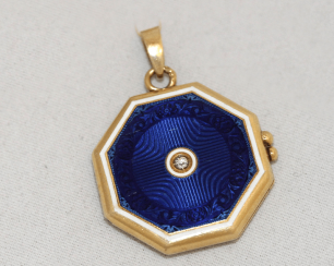 Medallion with enamel