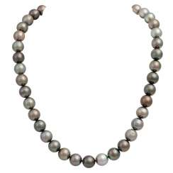 Necklace made from Tahitian cultured pearls