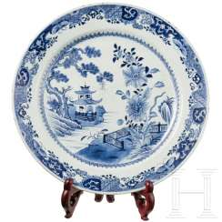 Large blue and white porcelain plate, China, Qianlong period, 18th century