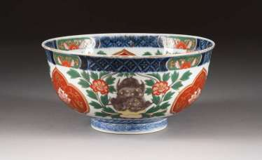 IMARI BOWL WITH DECOR FROM FO DOGS China