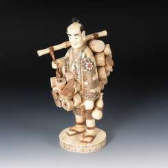 Large ivory figure - dealer with Trom