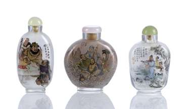 Three Snuffbottles made of glass with a figural interior painting