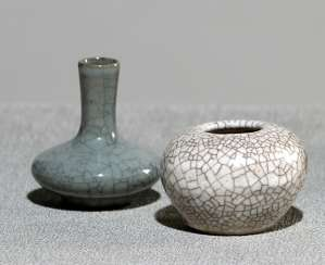 Miniature vase and a tuschwasser vessel with craquelure