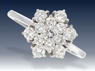 Ring: a very fine vintage brilliant blossoms ring, approx 1.05 ct, of very good stone quality
