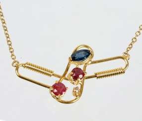 Necklace with ruby and sapphire and yellow gold 750