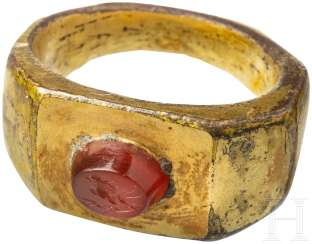 Gold-plated Ring with gem, Roman, 3. Century
