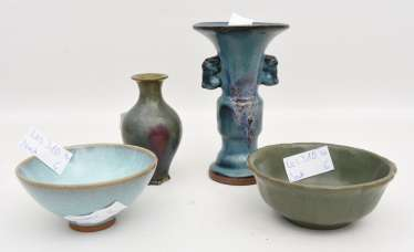 Mixed lot of POTTERY, glazed earthenware, painted, partially marked, China/Korea 20. Century