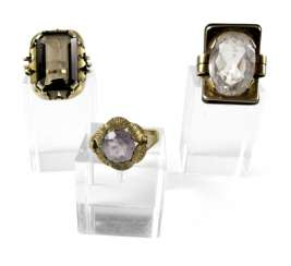 3 RINGS WITH QUARTZ STONES. SILVER/ 333 yellow gold