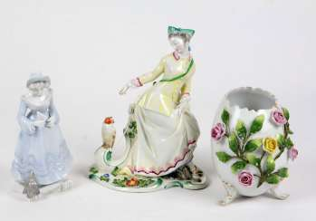 2 porcelain figurines, among other things,
