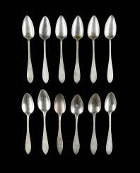 COLLECTION OF TWELVE DINING SPOONS
