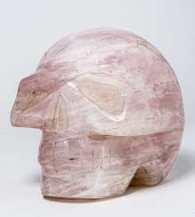 HEAVY SKULL MADE OF ROSE QUARTZ