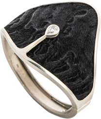 Gold bracelet white with diamond drops on Karakul fur