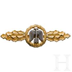 Front flight clasp for day fighters in gold