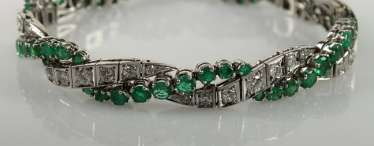Bracelet with diamonds and emeralds,