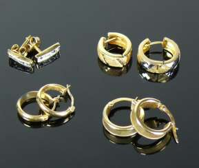 4 Pairs of div. Stud earrings