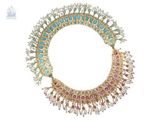 Chain/necklace: ancient, extremely high-quality Indian wedding jewelry, studded with the finest rubies and Turquoise and pearls, probably 1. Half of the 20. Century.