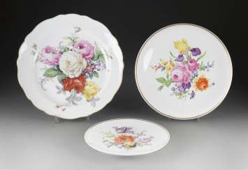THREE wall plates 'flower painting' in German, Meissen, 20. Century and earlier