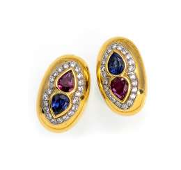 Pair of clip-on earrings with heart motifs
