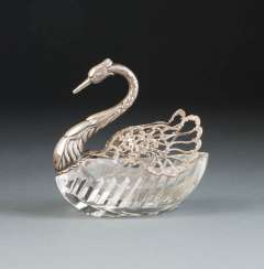 SPICE BOWL IN THE SHAPE OF A SWAN