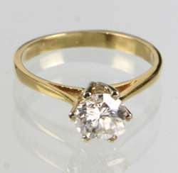 Ring brilliant solitaire 0.92 ct. Yellow gold 585