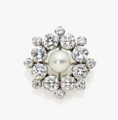 Brooch with diamonds and cultured pearl