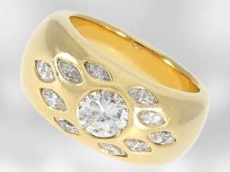 Ring: solid heavy gold band ring with brilliant of approx. 1,19 ct and diamond Navettes, total approx. 1,79 ct, 18K Gold