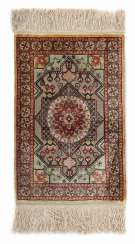 Hereke silk carpet with broschiertem Fund Turkey