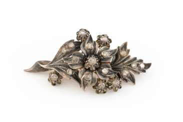 HISTORICAL BROOCH WITH DIAMONDS