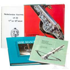 Four weapons books in Italian, French, Russian and Dutch