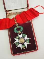 France: Order of the Legion of Honor, 11th model (since 1962), Commander's Cross, in a case.