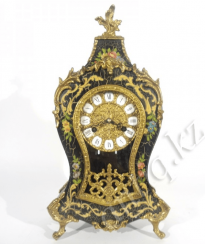Watch neo-Rococo Italy