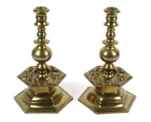 Candlesticks pair