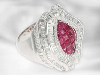 Ring: extravagant, luxurious diamond / ruby ring, approx. 5.49ct in total, 18K white gold, sophisticated goldsmith work