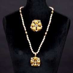 Faux pearl necklace 'Trèfle' with pendant and matching brooch