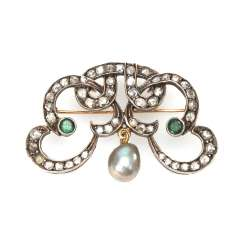 Art-Deco brooch with old European cut diamonds, emeralds and pearl.