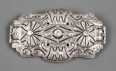 Large brooch with brilliant-cut diamonds