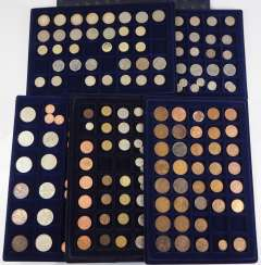 Great Britain: Collection of small coins.
