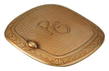 "Gold box with monogram ""RO"""