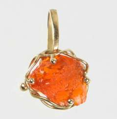 Fire Opal Pendant - Yellow Gold 375
