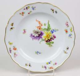 Meissen plate *flower bouquet with insects* 1870