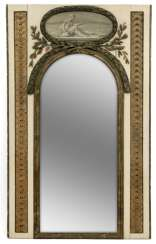 Large neo-classical mirror with Grisaille painting. Probably France, around 1800