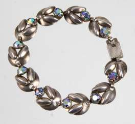 Design bracelet with rhinestones