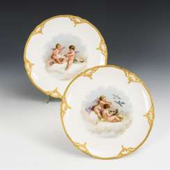 2 plates with putti painting