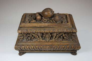 Small Casket, At The End Of 19th Century. Century