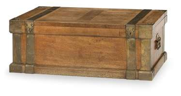 Rectangular chest made of camphor wood with metal fittings and handle fittings