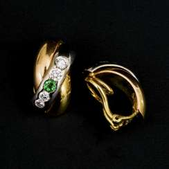 Pair of ear clips with emeralds and diamonds