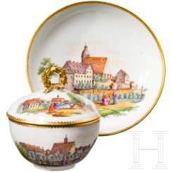Porcelain cup with lid and saucer, finely painted city views with people, Meißen, probably around 1800
