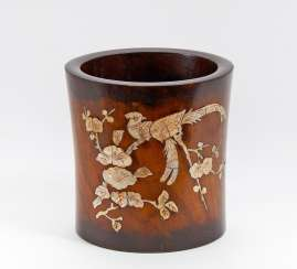 Large bitong brush mug with birds of Paradise